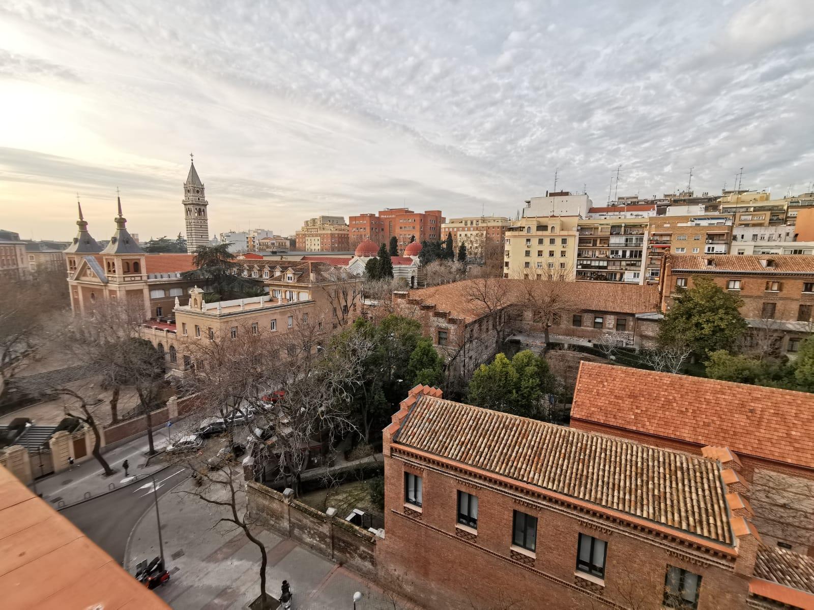Dúplex en Alquiler en calle Vandergoten, Pacífico, Retiro, Madrid