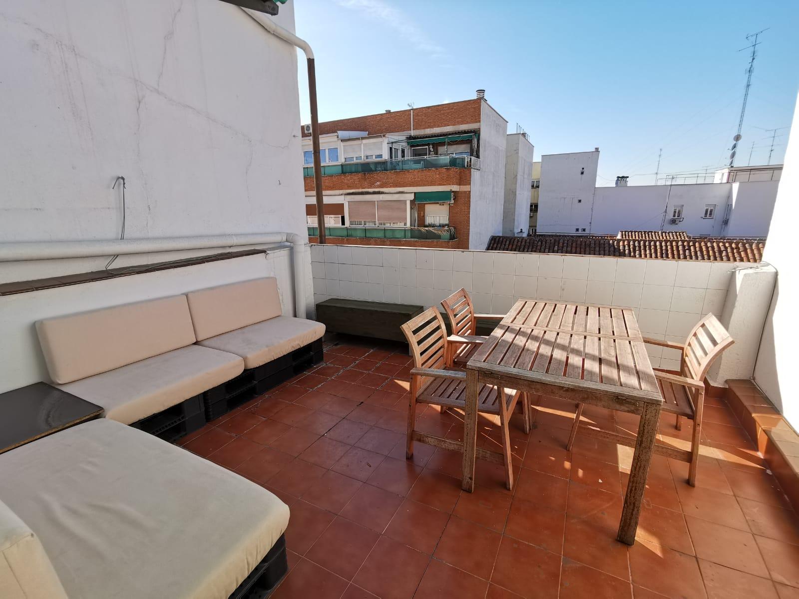 Ático en Alquiler en calle Granada, Pacífico, Retiro, Madrid