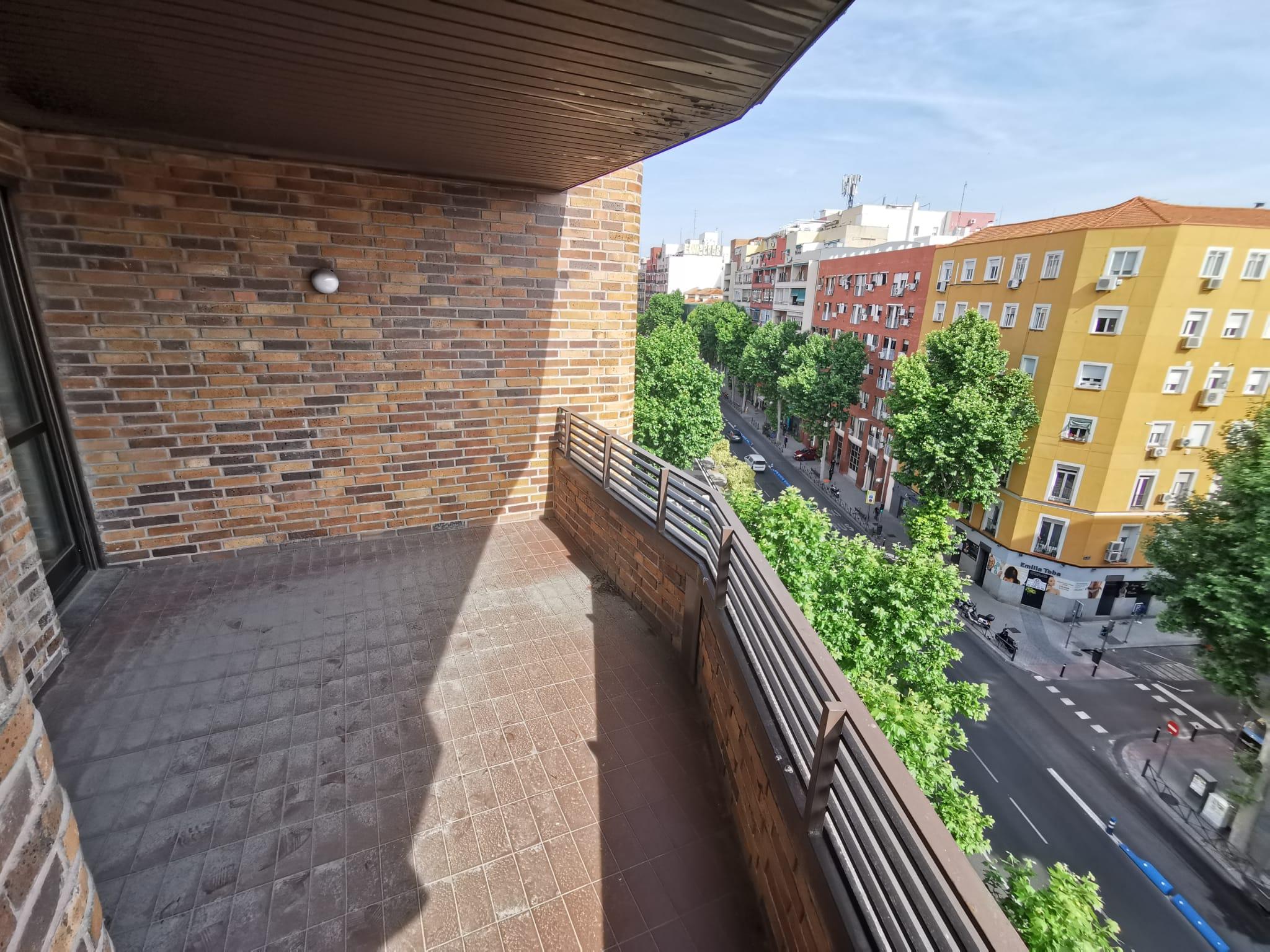 Piso en venta en Avenida Ciudad de Barcelona, Pacífico, Retiro, Madrid